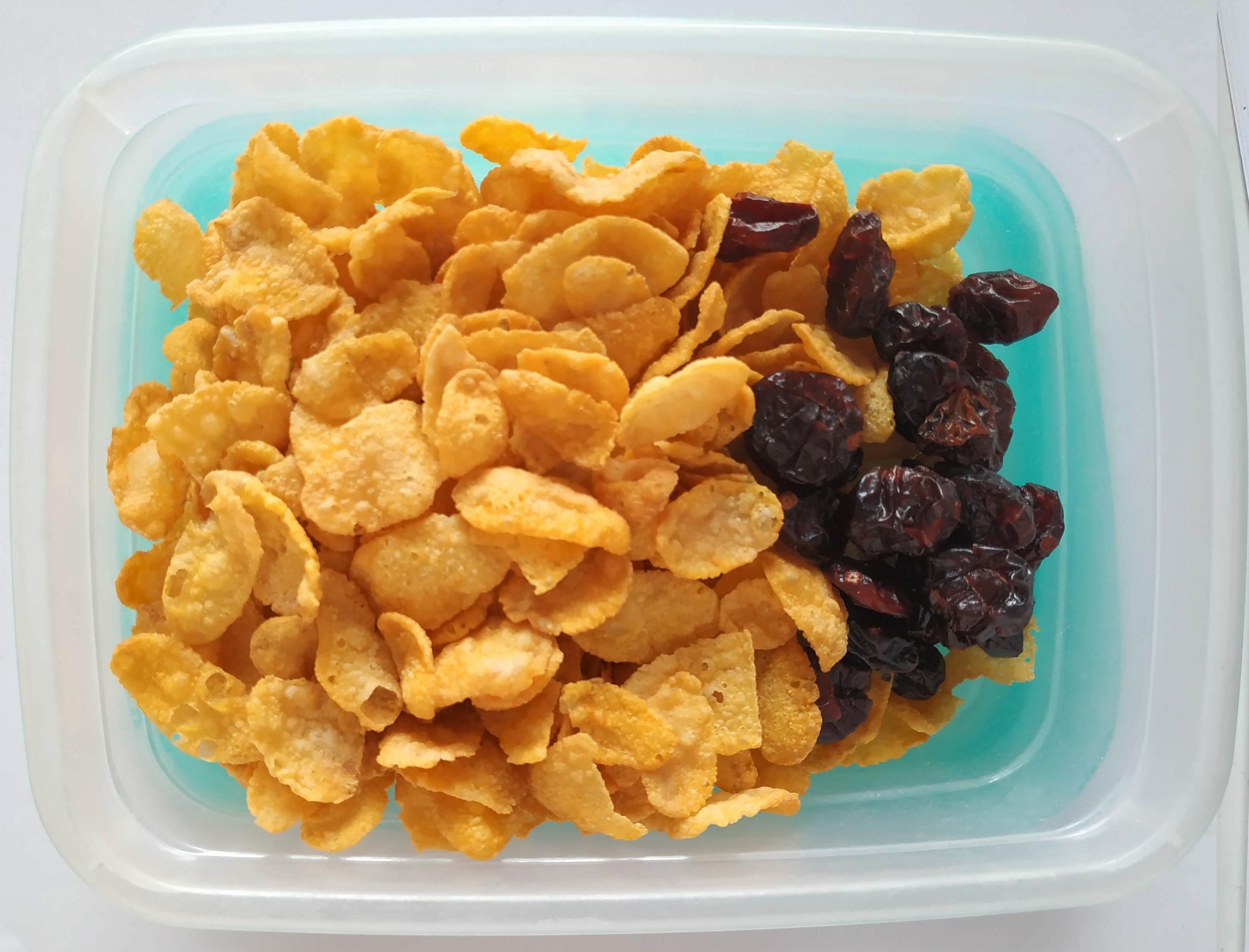 Čo na desiatu do školy? Banánové mlieko, cornflakes a brusnice